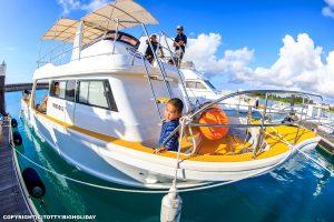 新艇ダイビングボート